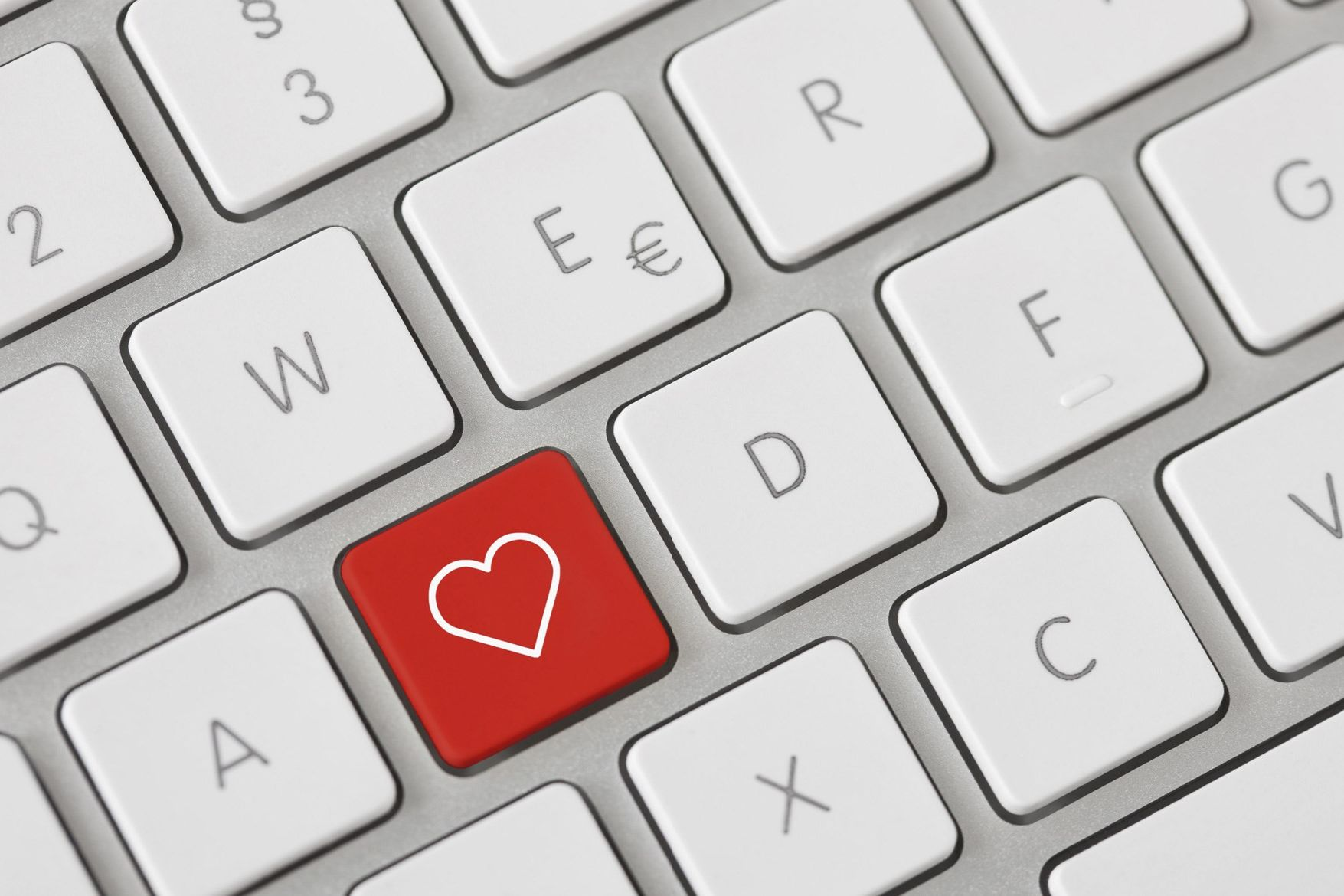 entertainment-2013-03-online-dating-package-dating-headmistress.jpg